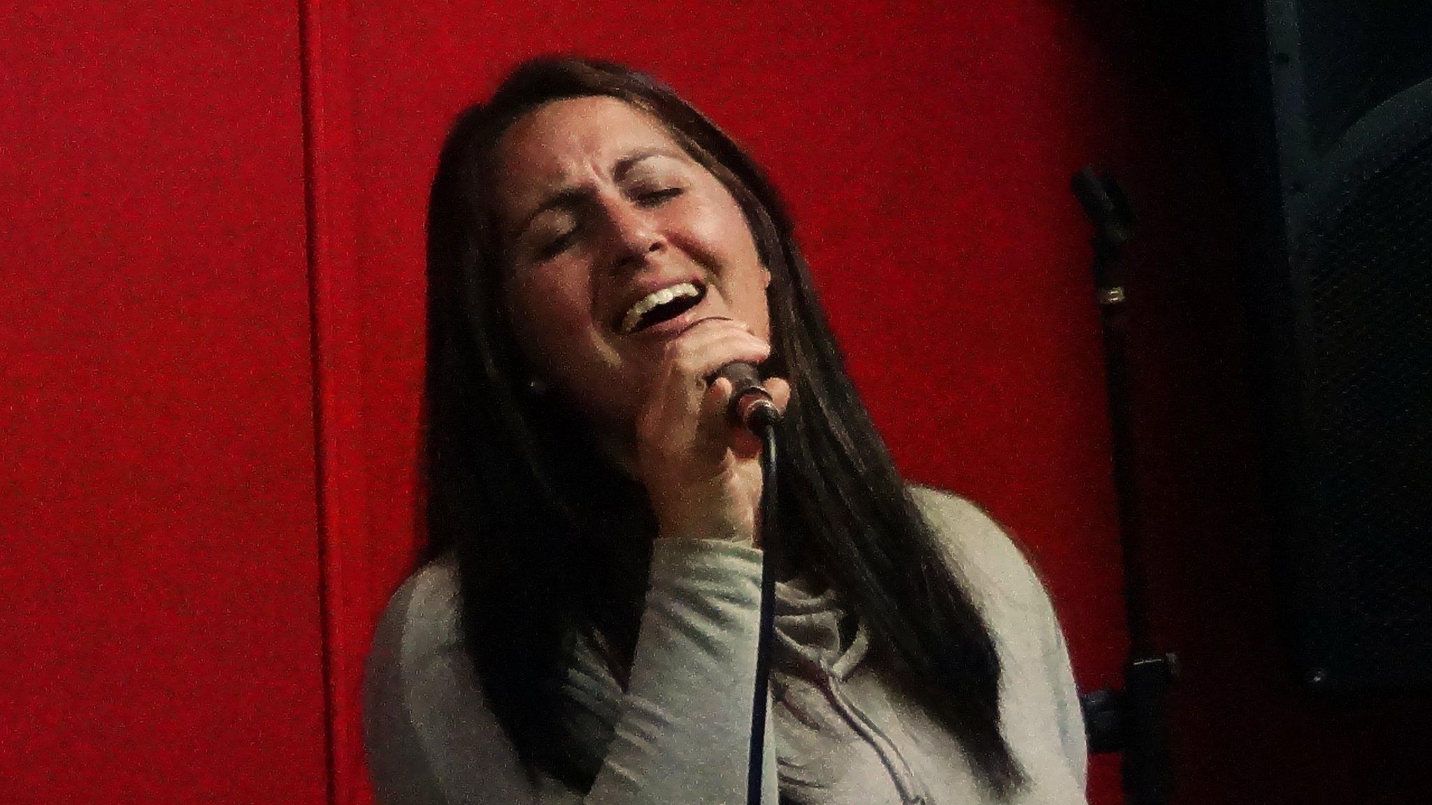 Cantar hasta que el alma diga basta