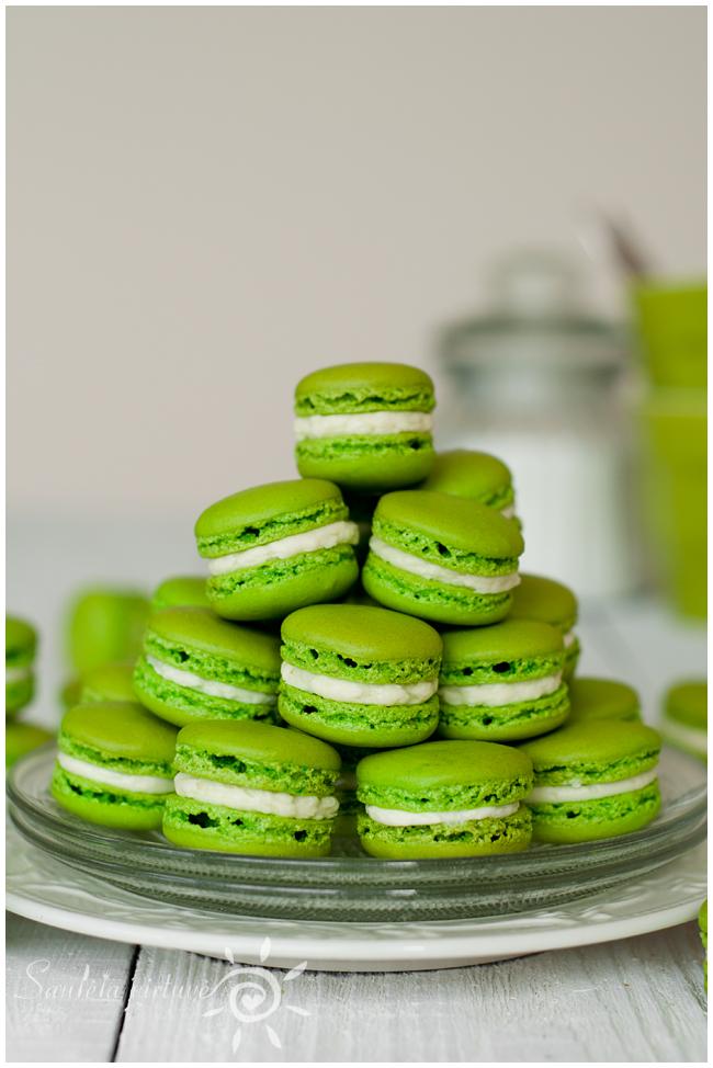 Žali macarons (3)