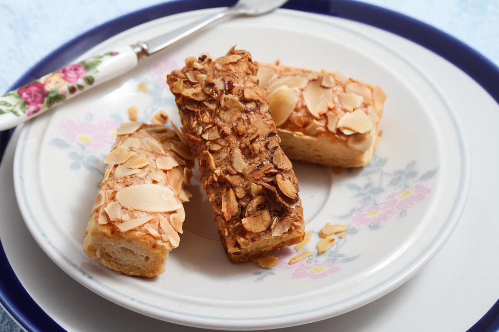 美心月饼:杏仁粟米酥