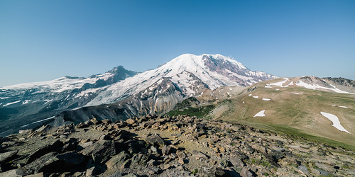 mountain nature landscape outdoors scenic wideangle bluesky pacificnorthwest washingtonstate mtrainier canoneos5dmarkiii samyang14mmf28ifedmcaspherical