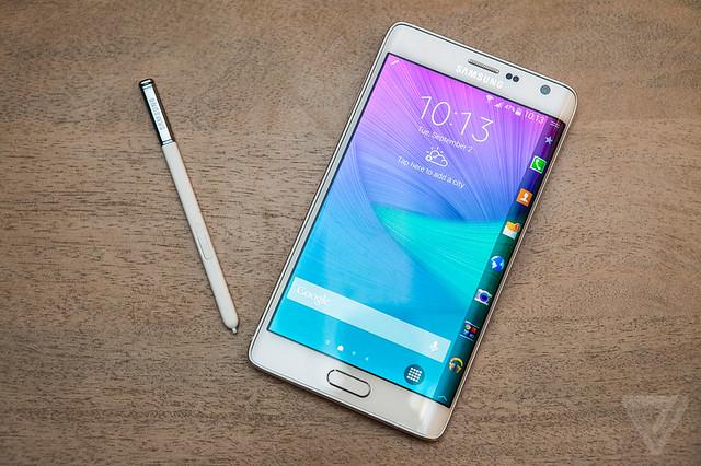 15061354558 a704c86eb3 z Zakrivljeni Samsung Galaxy Note Edge