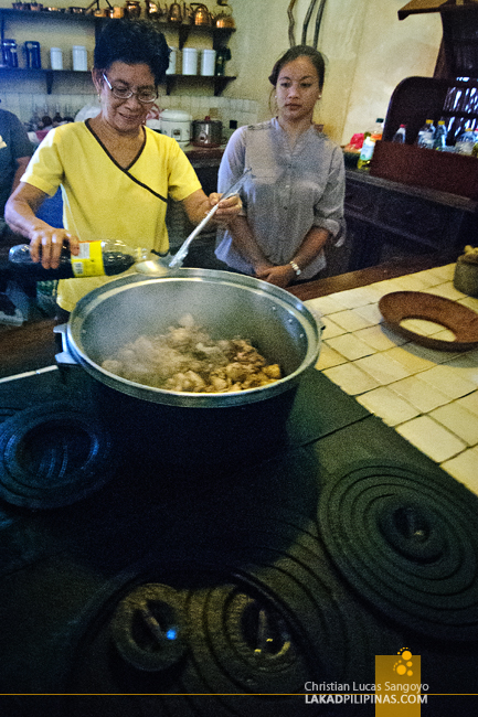 Cooking Bigueno Cuisine at Casa Caridad in Vigan City