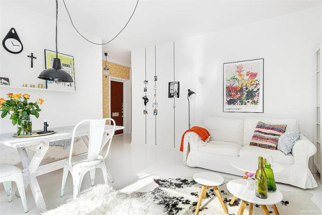 03-white-sofa