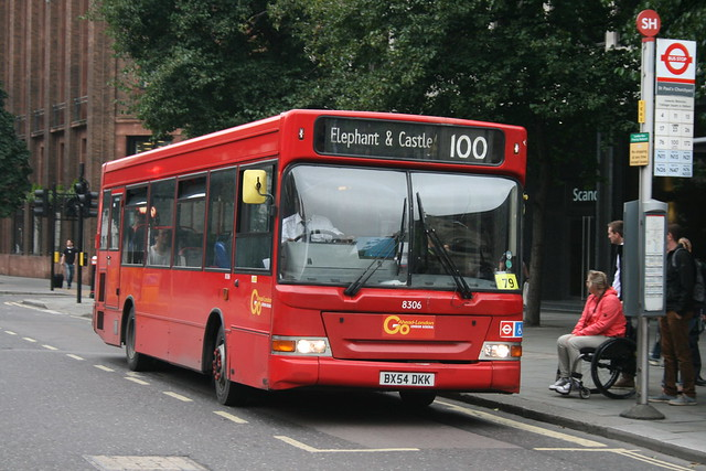 London General 8306 on Route 100, St Paul's