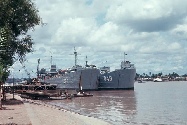 SAIGON 1965 by Dick Lee - Bến Bạch Đằng