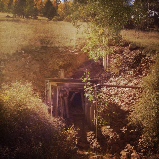 Gold And Silver Mining In Panama Mail: Old, Abandoned Gold Mine In Cripple Creek, CO