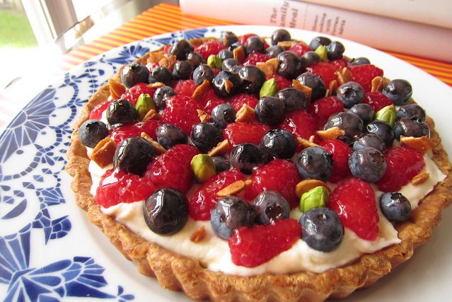quick berry tart 1409