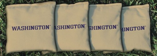 WASHINGTON HUSKIES GOLD CORNHOLE BAGS