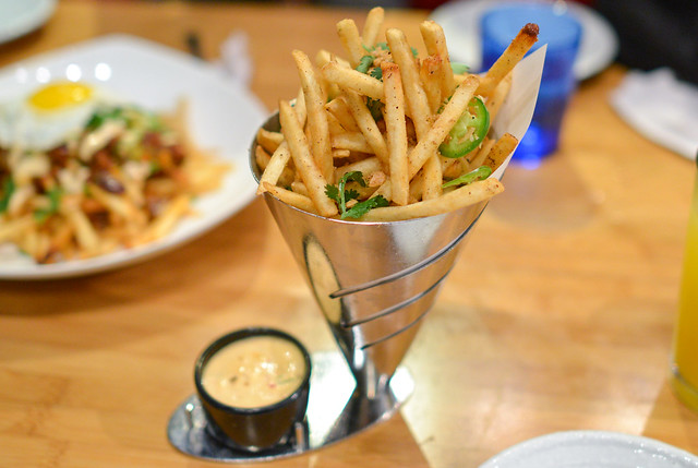 Salt & Pepper Garlic French Fries Maui Onion Sea Salt, Garlic Chili Aioli
