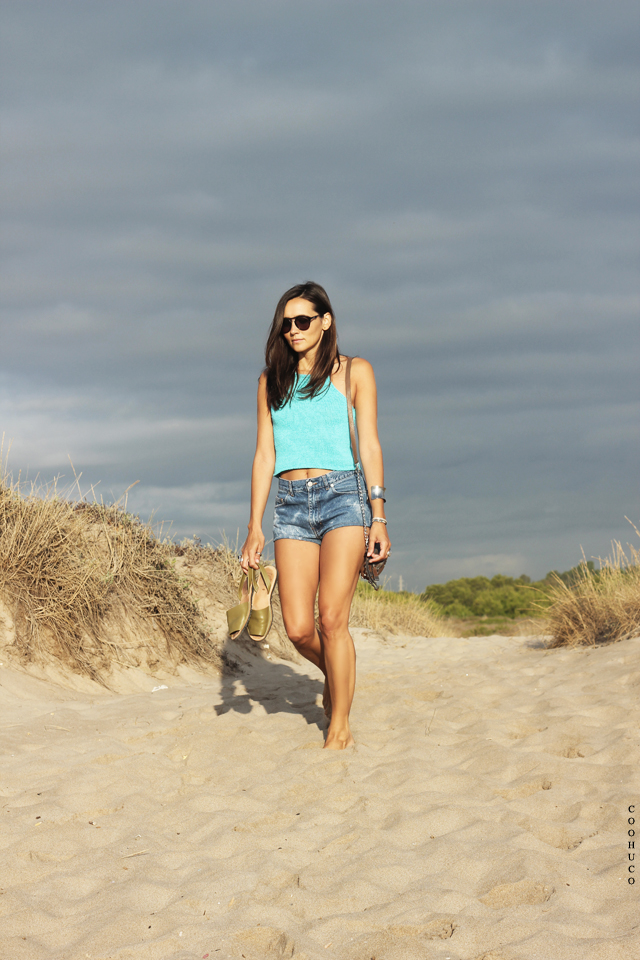 bikini girl beach coohuco 10