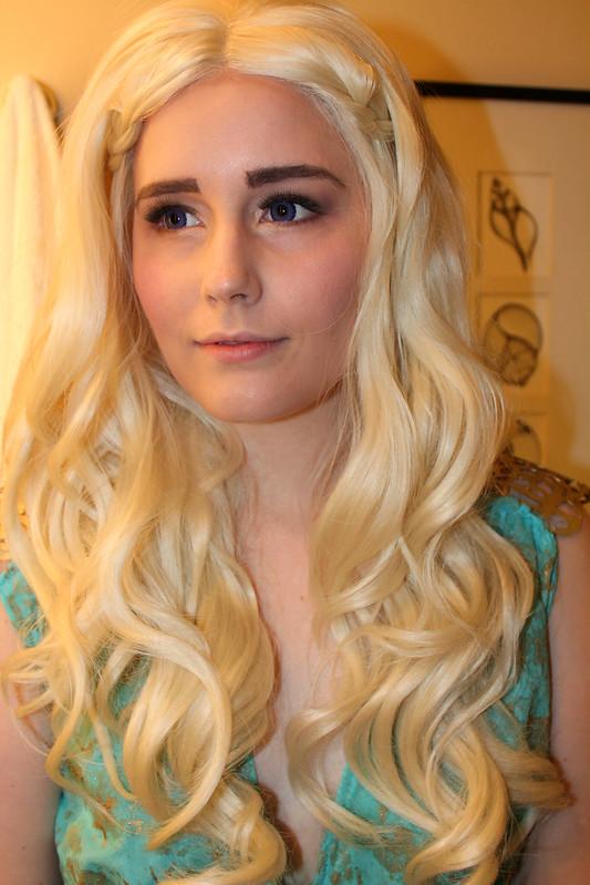 Cosplay 101 daenerys eyebrow tutorial xo mia for Daenerys targaryen costume tutorial