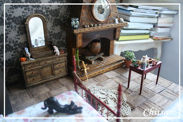 Dollhouse et Diorama de Chiisa - Photos diorama Alice (p7) - Page 3 14607930897_6c76f17e6a_z