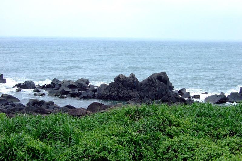 岸邊的風陵石_04
