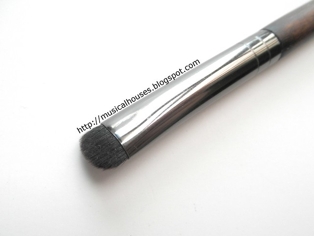 MUFE Artisan Brush 120 Eyeshadow Shader