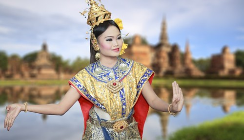 Thai lady in traditional outfit in Bangkok