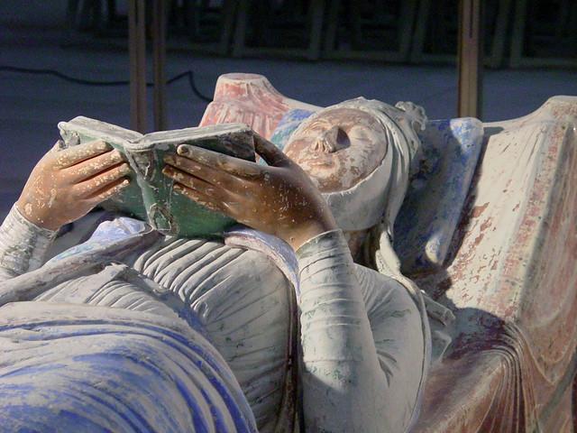 Aliénor d'Aquitaine gisant de l'abbaye de Fontevraud