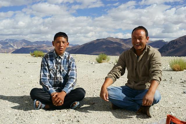 Ladakhi men at Pangong-Tso lake. Ladakh, 10 Aug 2014. 476