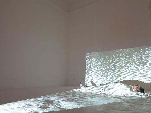 23.和丽斌作品《花园—七天行为计划》行为 2014年 北京798妙有艺术空间