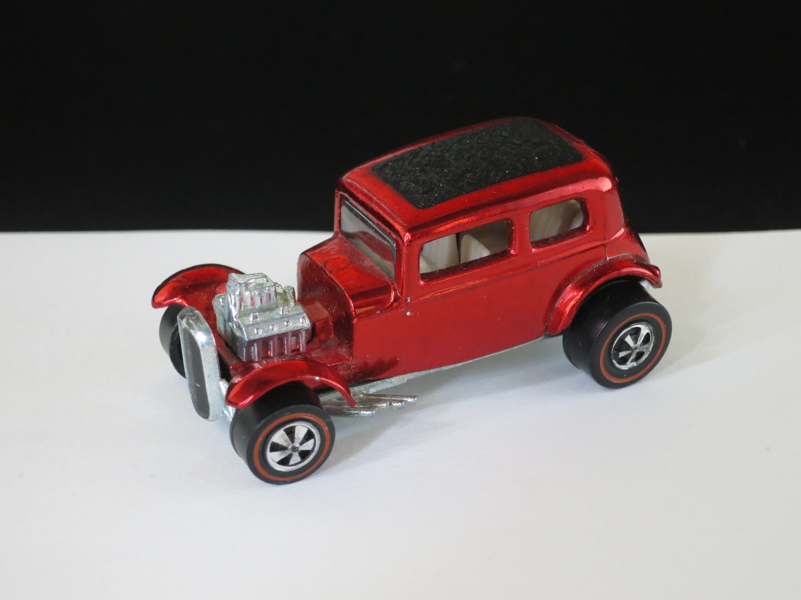 Hot Wheels Redline Red Classic 32 Ford Vicky Textured Roof