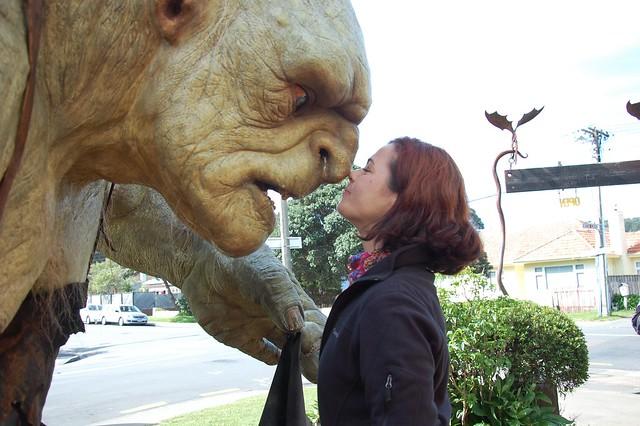 @Manmely saludando al Troll al estilo Maorí
