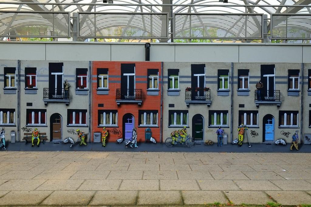 streetart | jaune | antwerp-luchtbal. belgium
