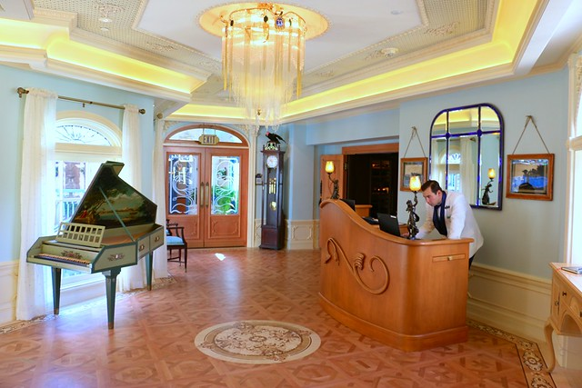 Club 33 updated at Disneyland