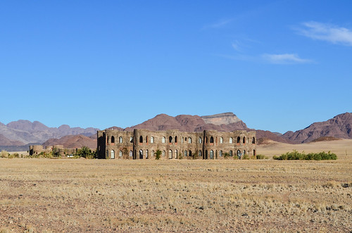Le mirage lodge, an improbable castle in the desert
