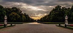 München, Nymphenburger Schlosspark - Blick über den Schlossgarten Kanal Richtung Westen auf die große Cascade