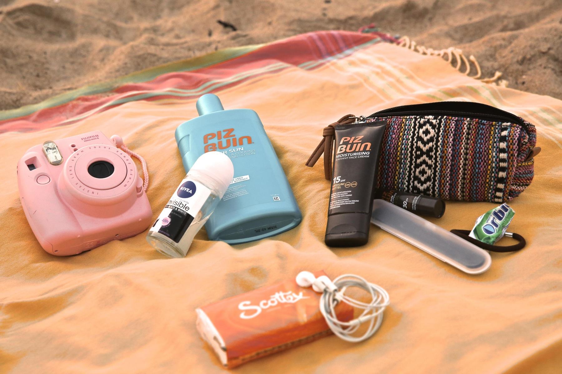 trendy_taste-look-outfit-street_style-boho-ootd-blog-blogger-fashion_spain-moda_españa-verano-crochet-vestido-bikini-hippie-dress-galicia-sunset-puesta_de_sol-piz_buin-5