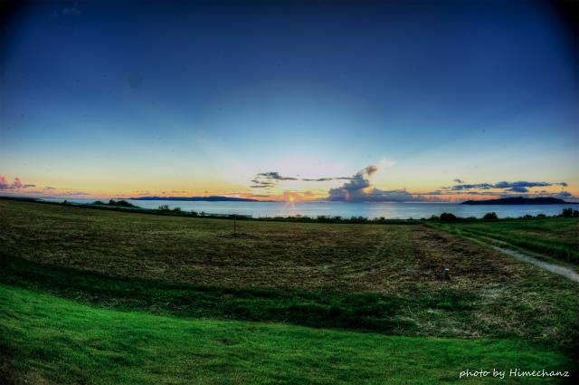 帰宅途中でミルミルジェラート片手にのんびり夕日を眺めてきました♪