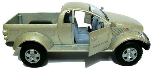 42 Kinsmart Dodge Power Wagon 2000 1-42