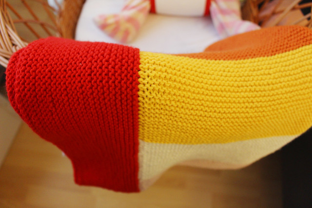 diy: easy knitted baby blanket