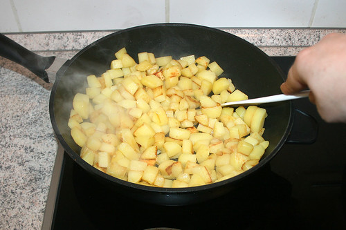 59 - Kartoffeln umrühren / Stir potatoes