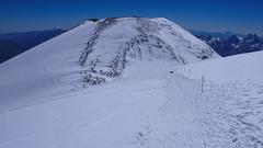 Zejście ze szczytu Elbrus 5642m na przełęcz Sedlovina.