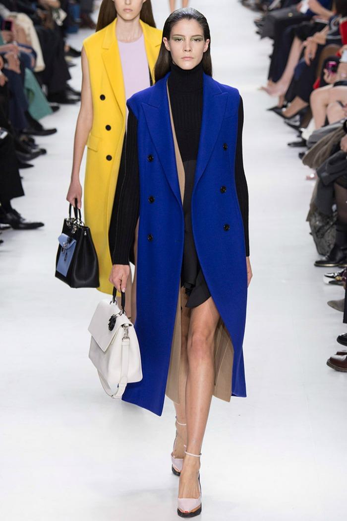 christian dior mujer otono invierno 2014 2015 abrigos sin mangas azul amarillo