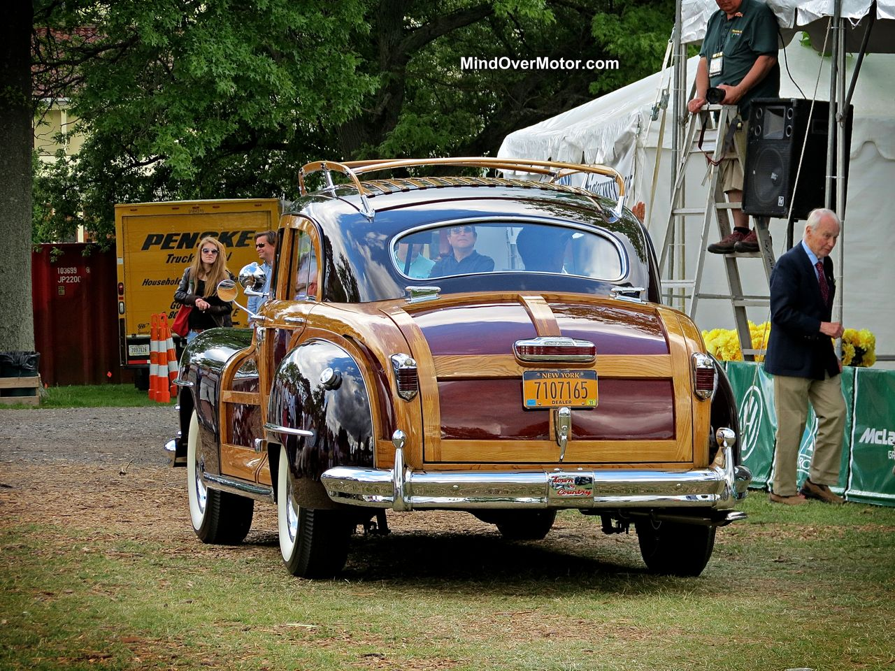 Chrysler Town and Country Woody