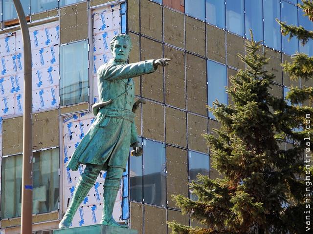 Jean-Olivier Chénier statue 1