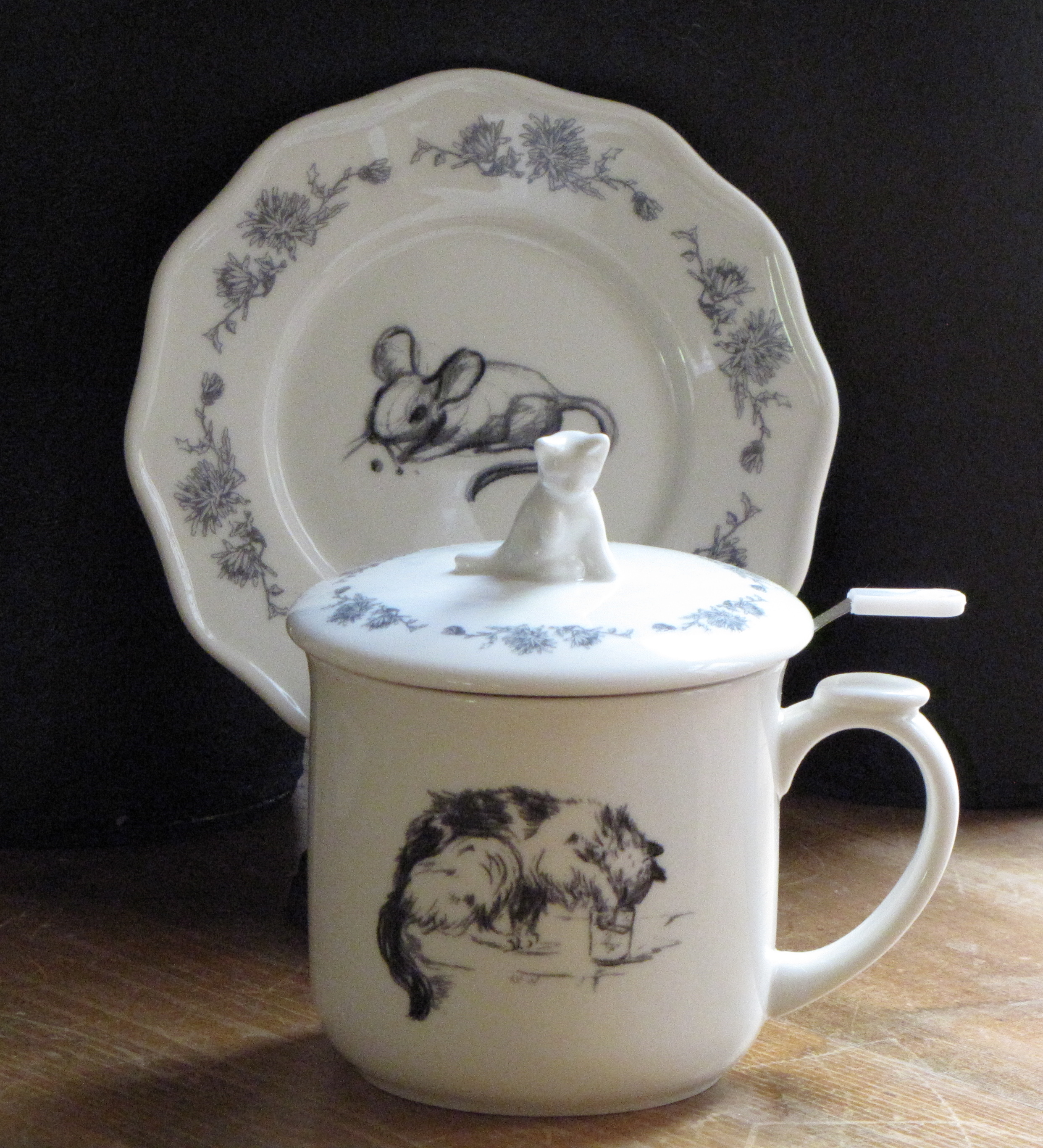 Cat and Mouse Tea Mug