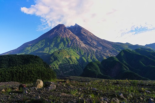 leica indonesia 50mm volcano java central m noctilux yogyakarta f095 leicam9 merapimountain