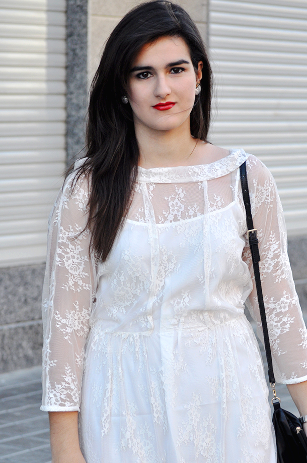 valencia fashion blogger somethingfashion spain, lace white dress massimo dutti vintage apple earrings inspiration, rayban wedges zara, aime complementos tienda