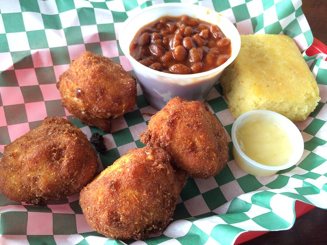 Fried mac and cheese & baked beans - The Boar's Nest
