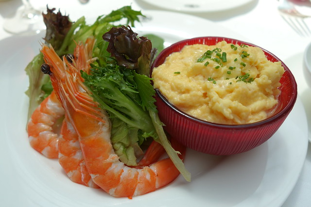 Scrambled Eggs with White Alba Truffle Oil, Smoked Salmon & Salad of Shrimps and Mixed Greens - TWG Tea at MBS