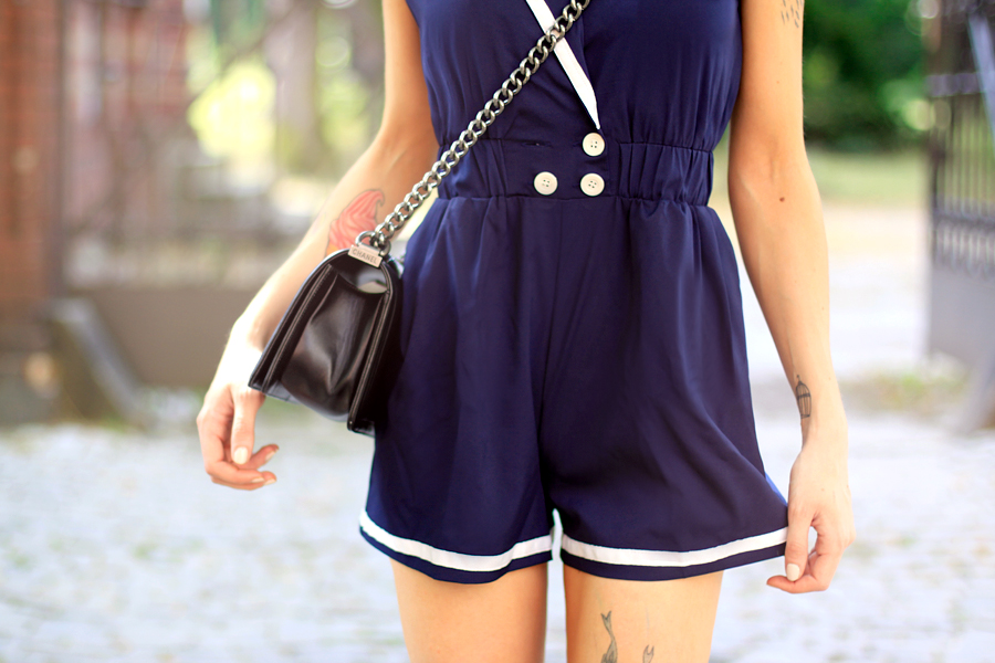 Sailor Girl Fashion Pills Compana Fantastica dress playsuit chanel le boy boybag bag luxury summer outfit OOTD Ricarda Schernus CATS & DOGS berlin blogger 4