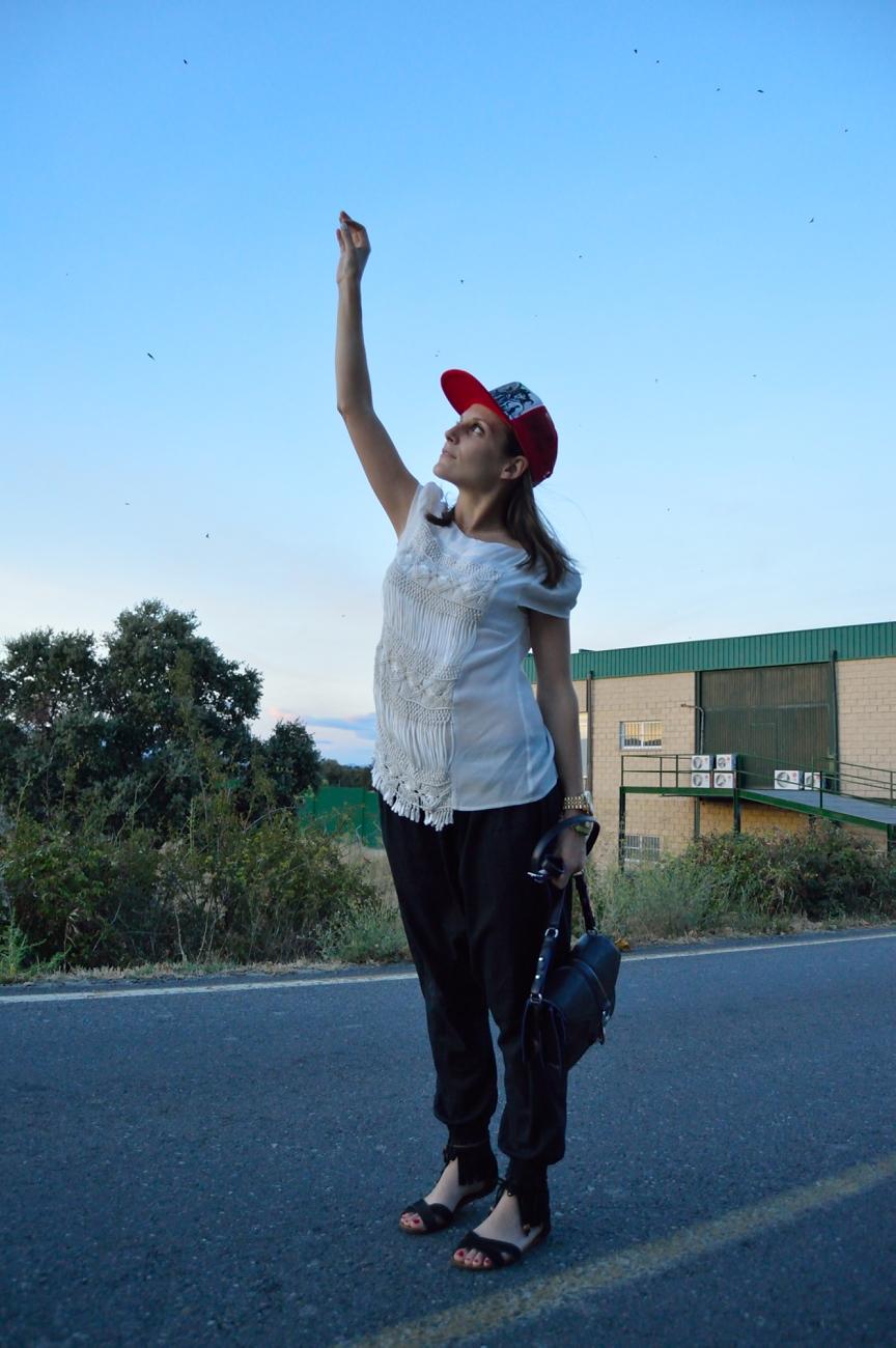 lara-vazquez-mad-lula-style-streetstyle-look-cap