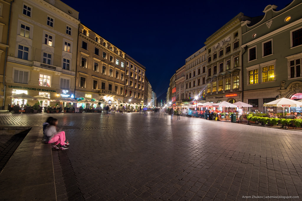 Krakow at night-11.jpg