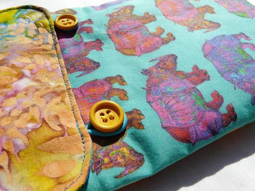 fabric Kindle case detail