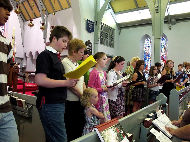 Sunday School kids sing