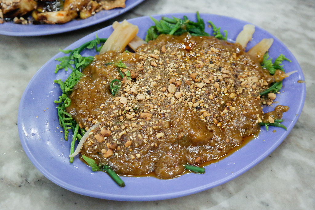 Ipoh Food Guide: Rojak @ Restoran Ding Hao that's full of ground nuts