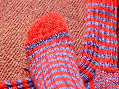 полосатые носки мысок