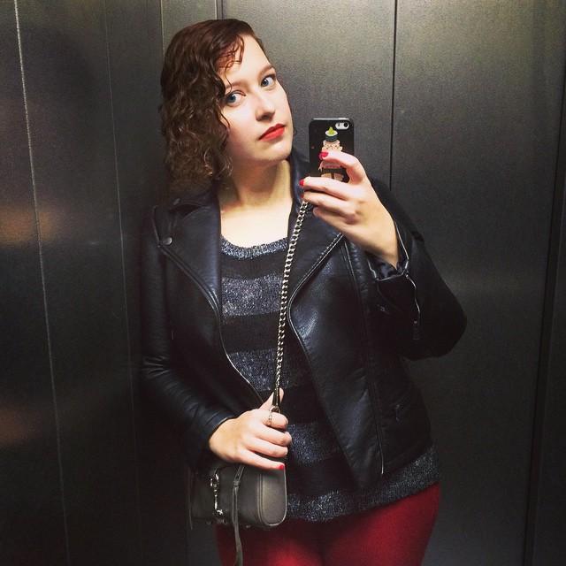 #grungy #falllook #lookoftheday #fall #redlip #macchili #macchililipstick #me #elevator #selfie